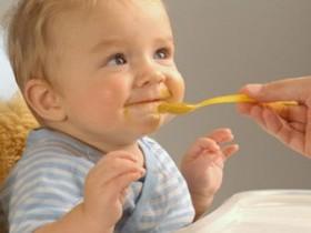 Первый прикорм ребенка на искусственном вскармливании