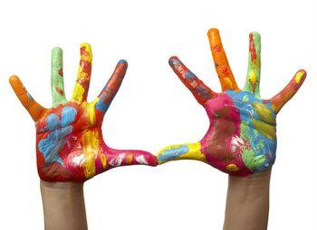 Рисование руками ребенка