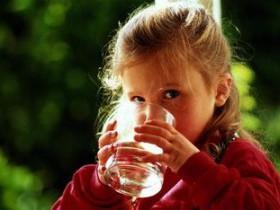 Питье для ребенка до трех лет