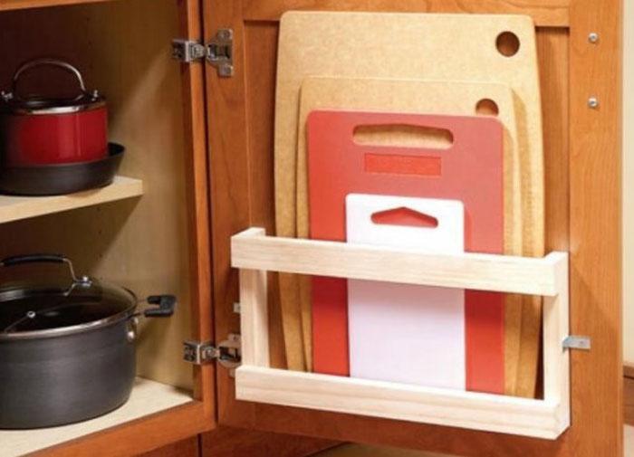 Дверца шкафчика