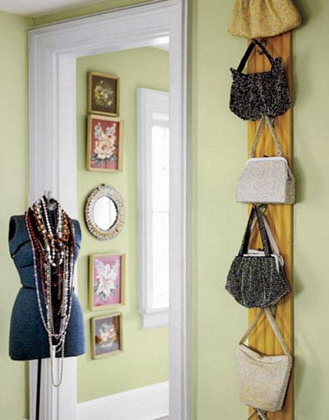 Хранение сумок на стене