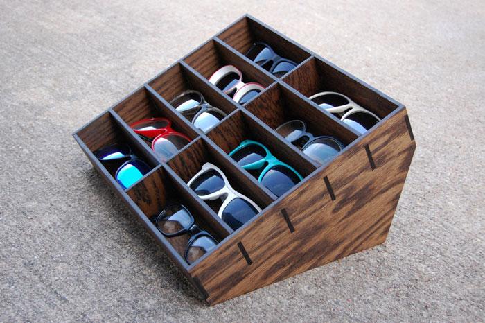 Солнцезащитные очки в коробке