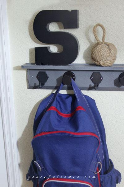 Детский рюкзак на крючке