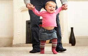 Малыш учится ходить