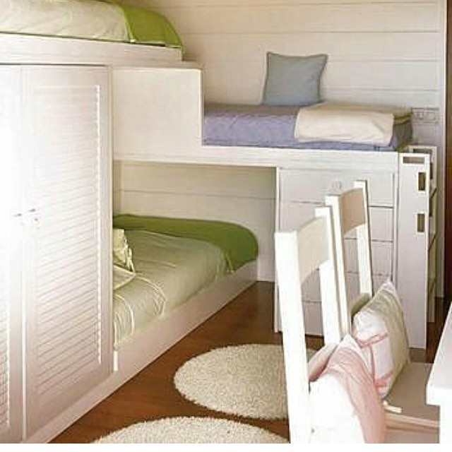 Спальная зона в детской комнате