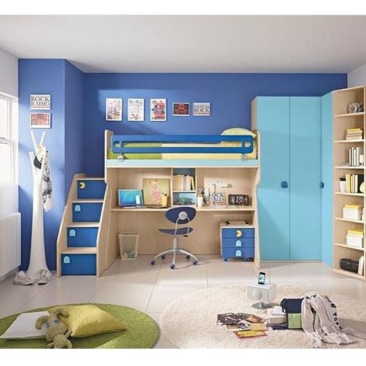 Голубой цвет для детской