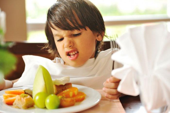 Ребенок - дисциплина за столом