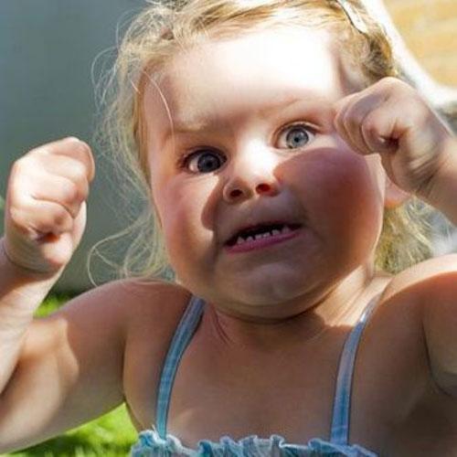 Ребенок выплескивает негативные эмоции