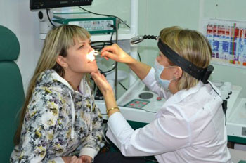 Помощь врача при носовом кровотечении