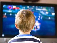 Ребенок перед телевизором