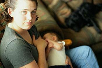 Кормление грудью при беременности