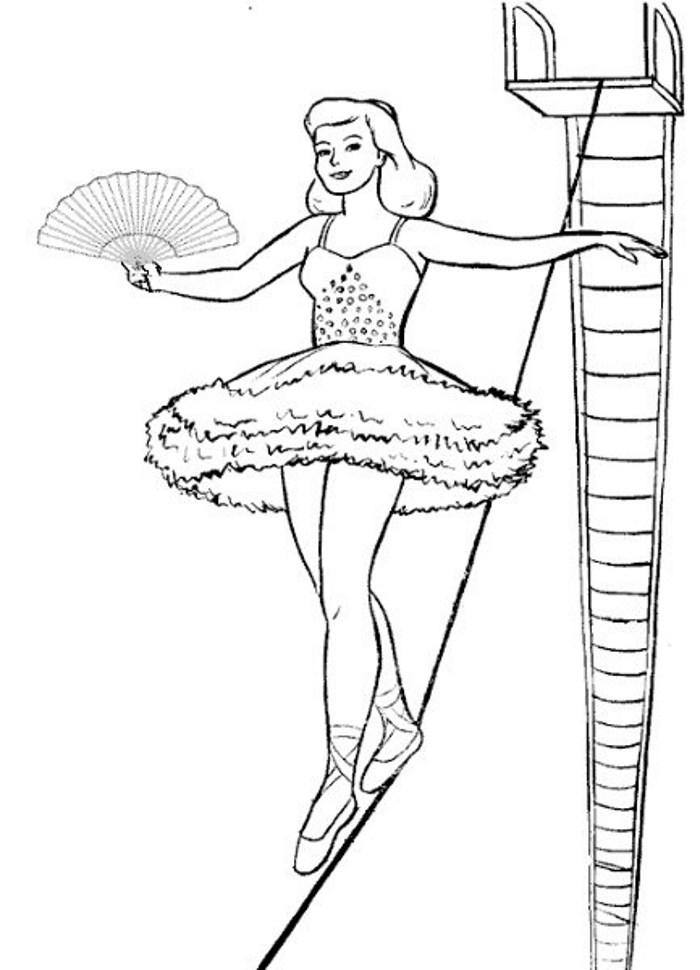 Артистка цирка на канате