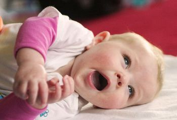 Ребенок 8 месяцев спит