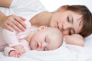 Ребенок 10 месяцев спит