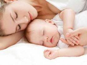 Совместный сон с младенцем: хорошо или плохо?