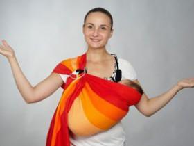 Палочка-выручалочка молодой мамы, или 6 причин приобрести слинг