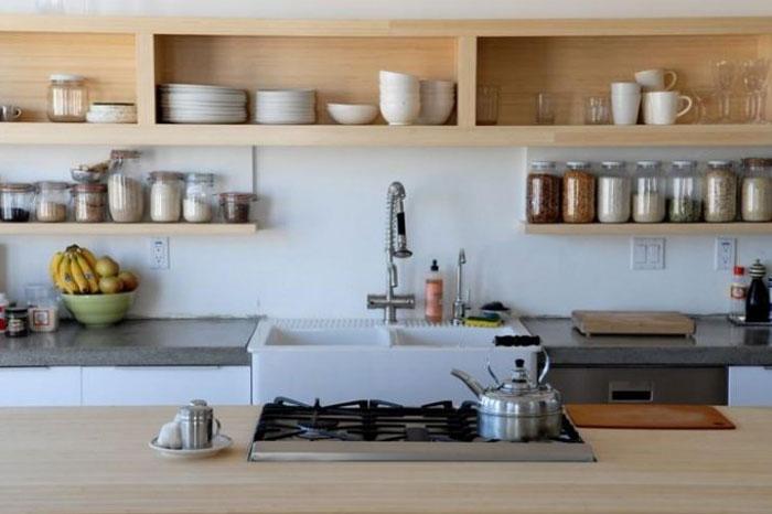 Стеллажи на кухне под посуду