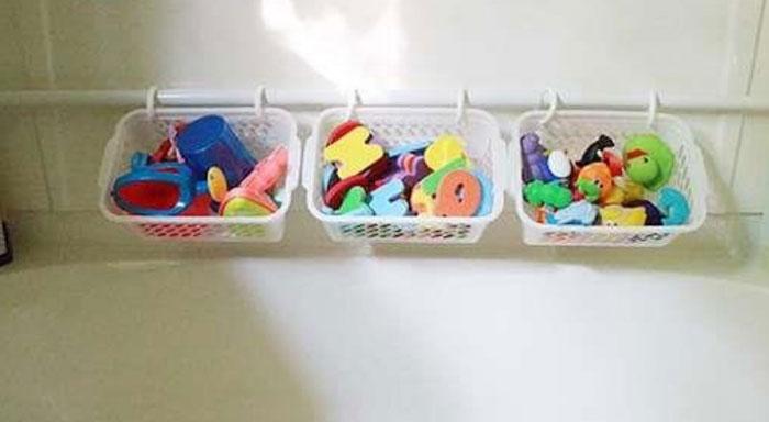 Детские игрушки в ванной комнате